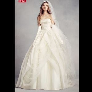 White VERA WANG Organza Wedding Dress